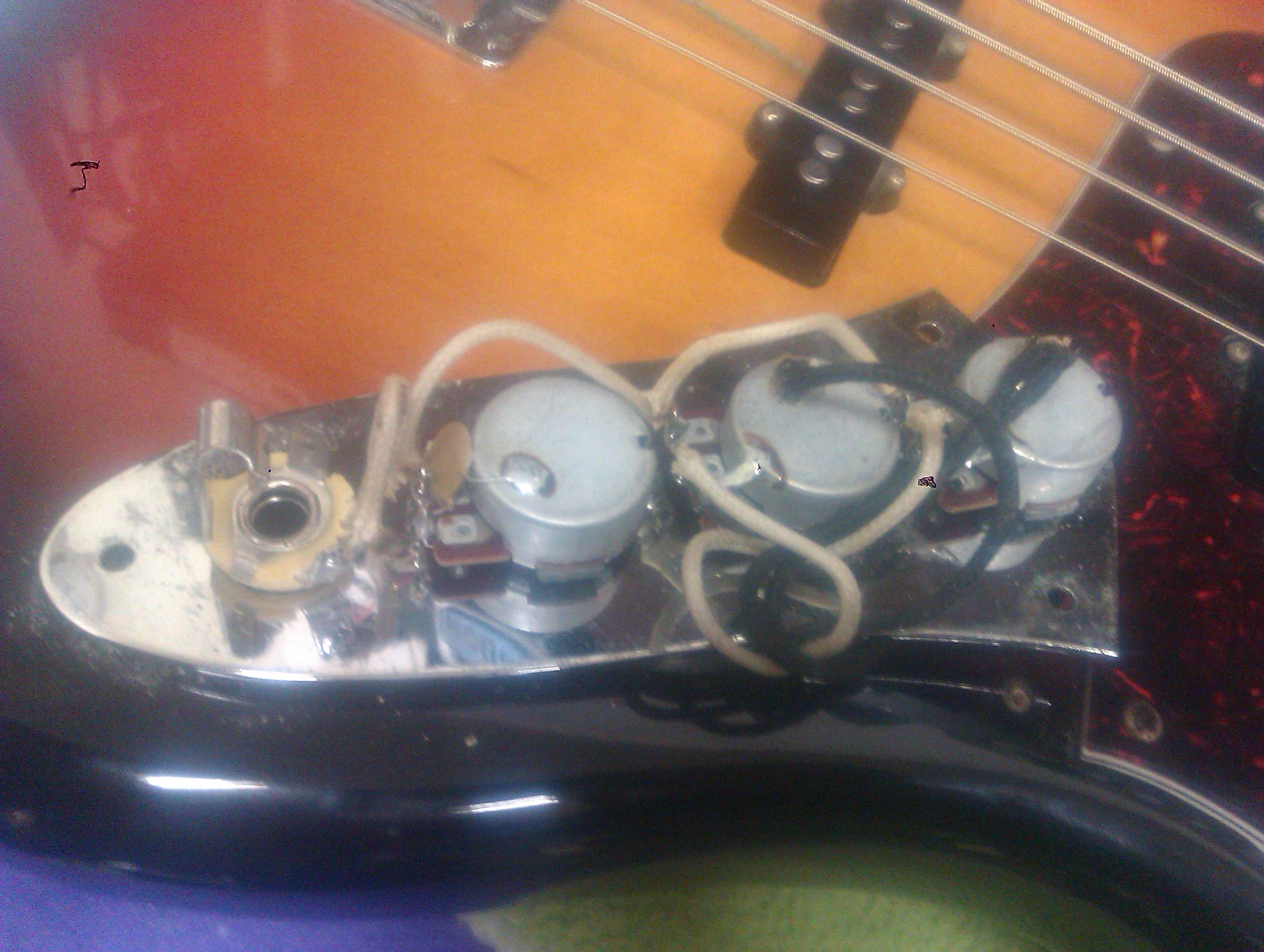 Circuito Jazz Bass : Mejorando un jazz bass bajos y bajistas